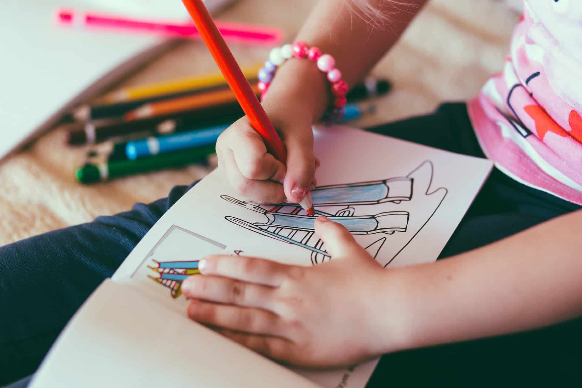 Gift Your Kids Soft-Cloth Coloring Books During Early Child Development